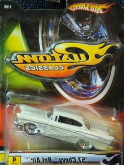 Hot Wheels Custom Classics '57 Chevy Bel Air Real Rider 1:50